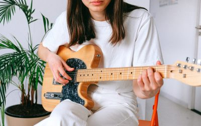 Learn How To Play The Guitar Quick With These Effective Tips